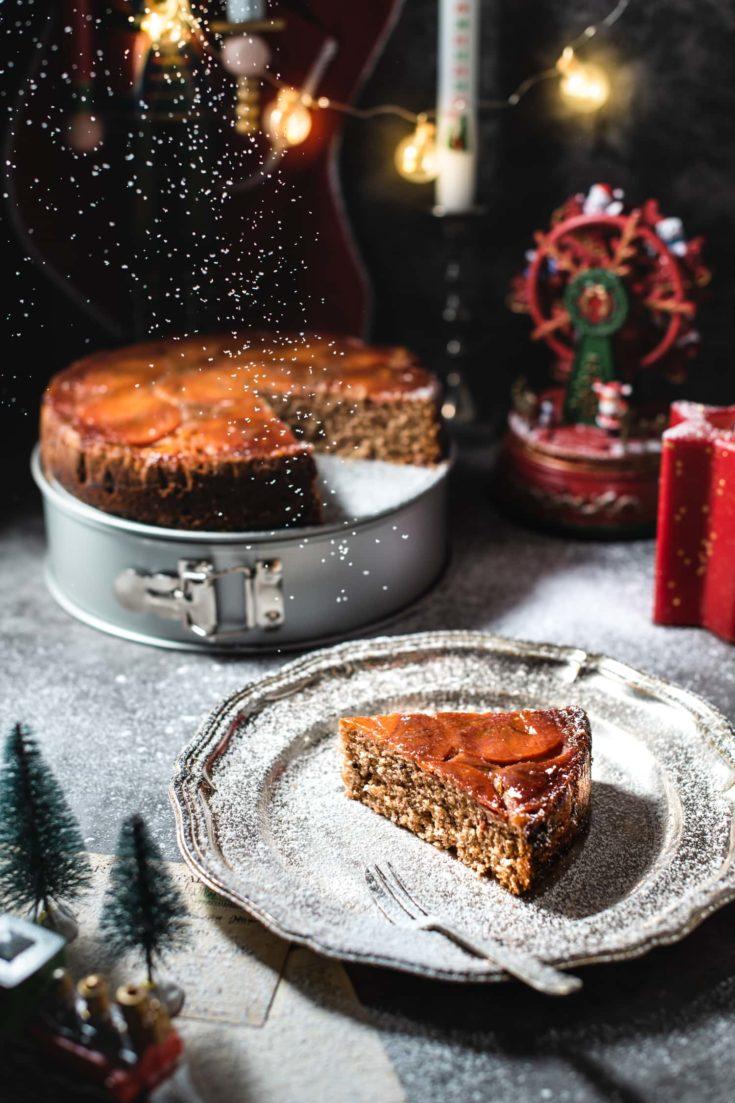 Gâteau renversé aux kakis, épices et whisky