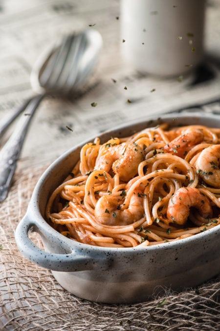 Pâtes aux crevettes sauce rosée | quatresous.fr