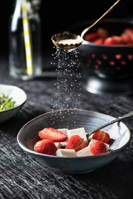 Tofu d'amande et fraises | quatresous.fr